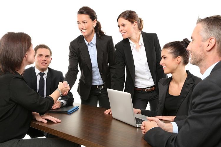 女性 比率 ビジネス