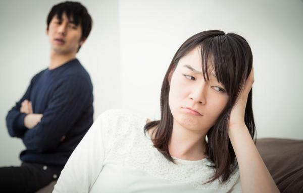 夫に家事を求めるのは無駄と諦める