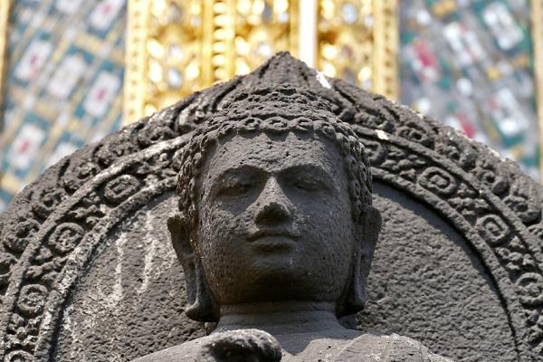 仏教の考えでは図々しくなれない