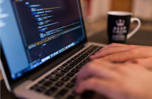 プログラミング(IT業界)